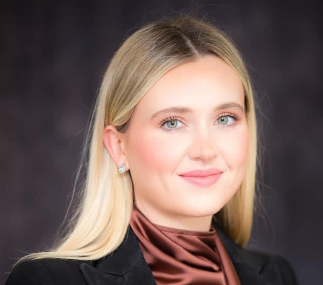 Samantha Farr  -  Associate - Fisher Dore Lawyers